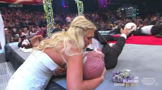 Brooke Hogan suffers wardrobe malfunction at IMPACT