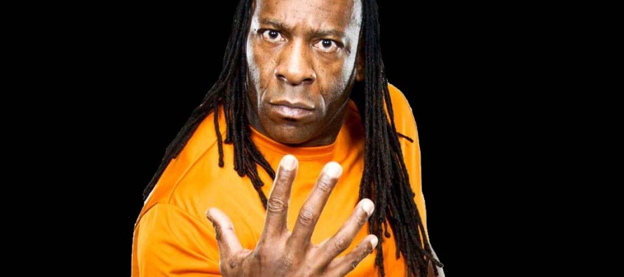 Booker T gives fans a spinaroonie to close his HOF segment