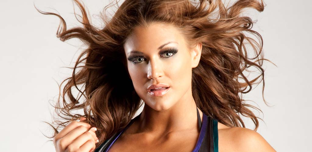 Eve Torres gets engaged to Rener Gracie