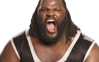 Mark Henry tells Curt Hawkins to apologize for calling him an idiot