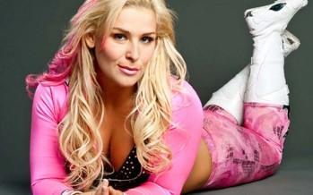 Natalya featured in February issue of FLEX Magazine