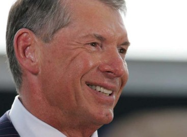 Eye witness account says Vince McMahon had trouble moving at Raw