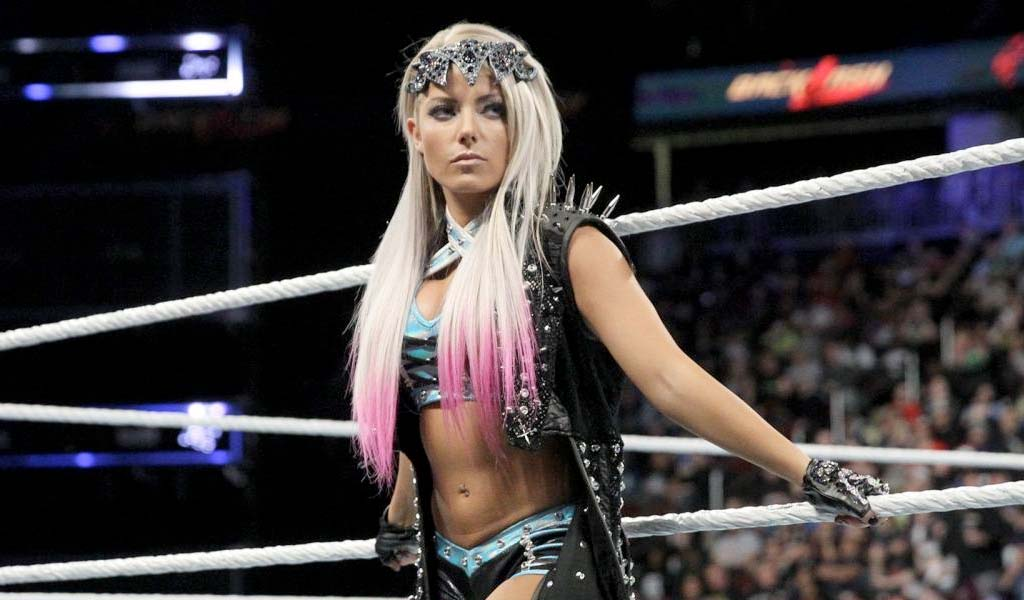 Alexa Bliss successfully cashes in her Money In The Bank briefcase