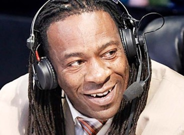 Booker T apologizes for Owen Hart remark on Raw