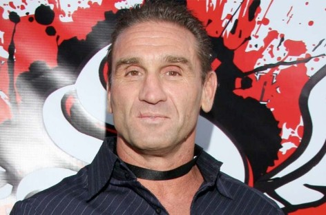 Ken Shamrock returns to MMA and loses to Kimbo Slice