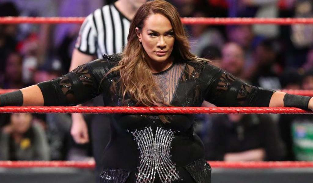 Nia Jax enters the men's Royal Rumble match!
