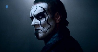 Sting shows up on Monday Night Raw