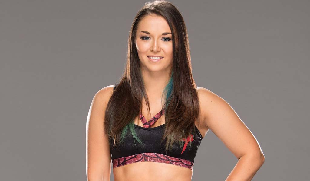 MYC competitor Tegan Nox suffers broken leg during tournament match