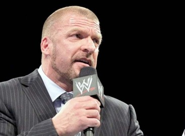 "Triple H's tweet to Mayweather causes Michelle Beadle to ""turn in"" her WWE fan card"