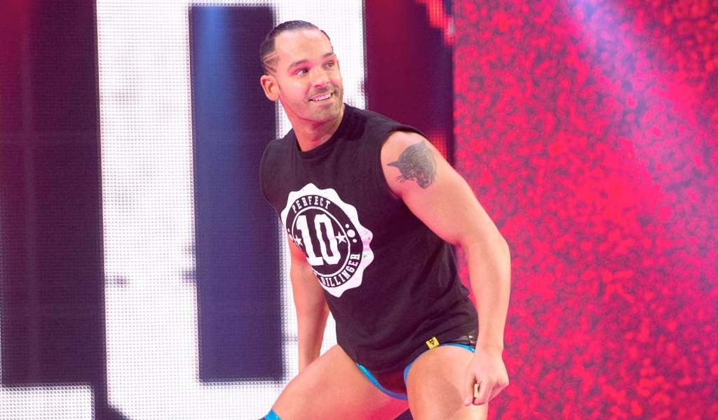 Tye Dillinger fires back at Nia Jax's tweet with perfect 10 reply!