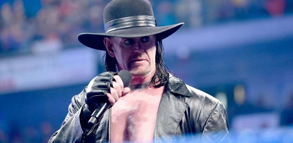 The Undertaker spotted…on a plane to New York!