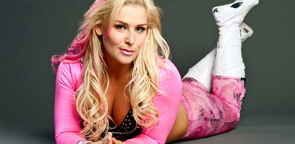 Natalya featured in February issue of FLEX Magazine
