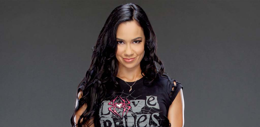 AJ Lee with small role in Madden NFL 16 video game short film
