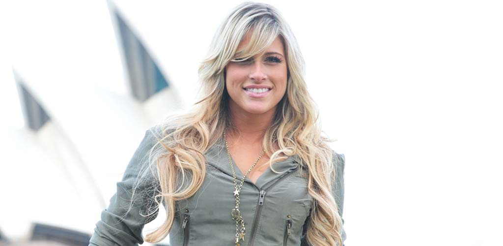 Former Diva Kelly Kelly ties the knot