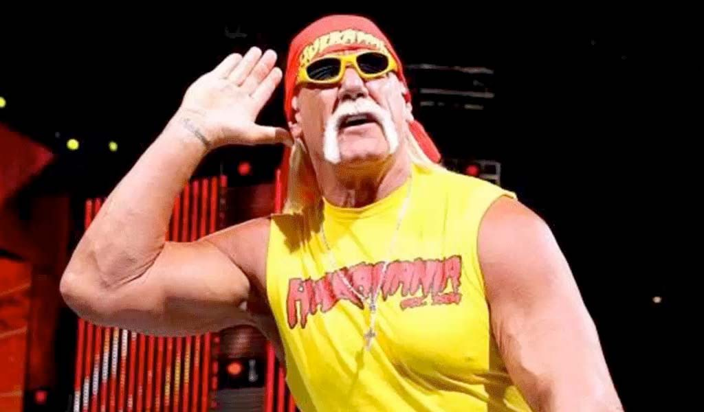 British tabloid newspaper claims Hulk Hogan is in talks for Raw 25 appearance