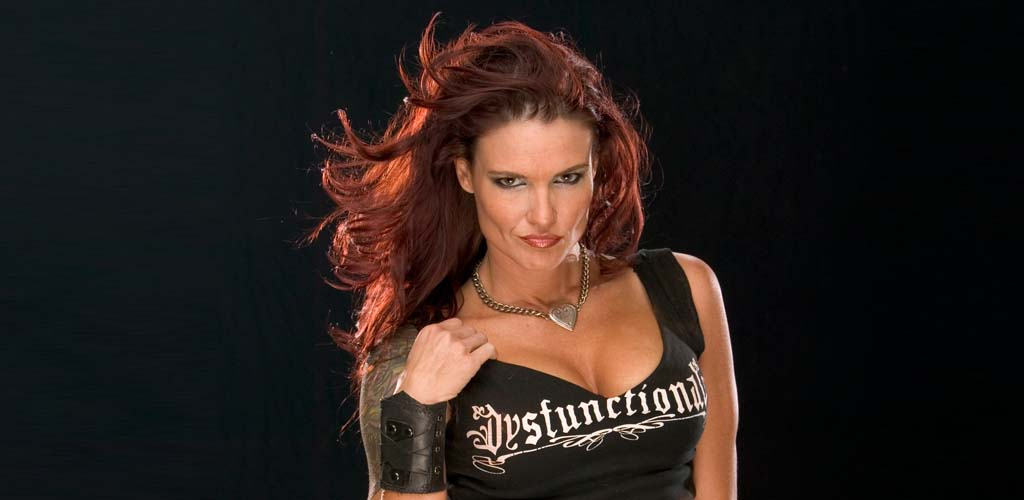 Lita resumes working full time with WWE
