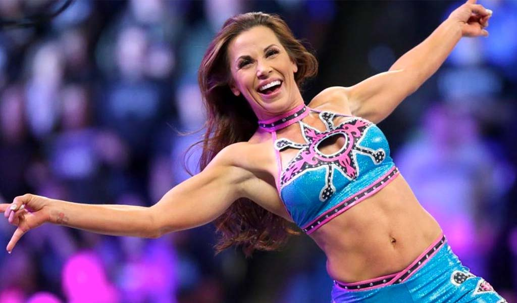 Mickie James goes under the knife for ACL surgery