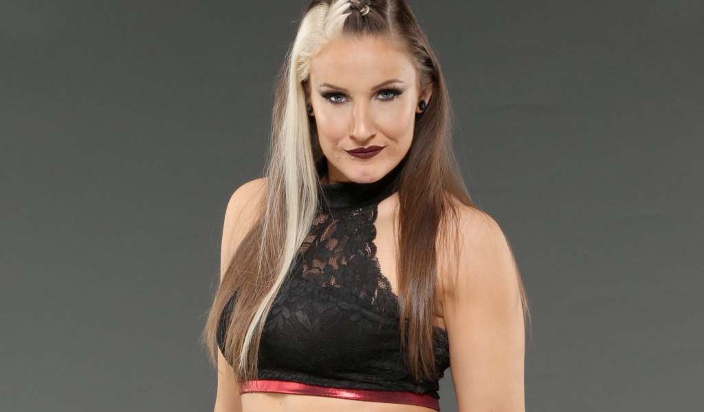 Former Knockouts champion Sienna hospitalized