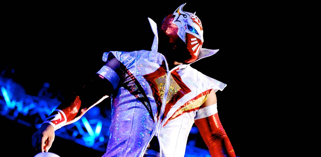 Sin Cara suffers dislocated shoulder on Raw