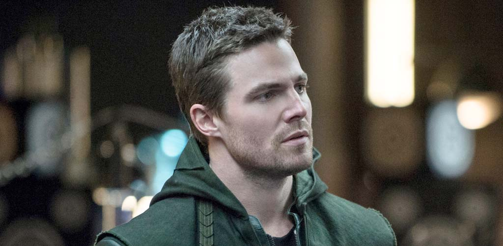 Stephen Amell to wear Arrow costume for SummerSlam match